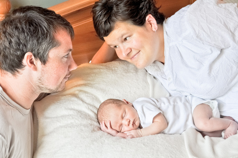 Henry newborn-17.jpg