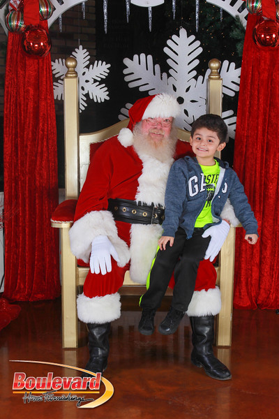 Santa 12-17-16-231.jpg