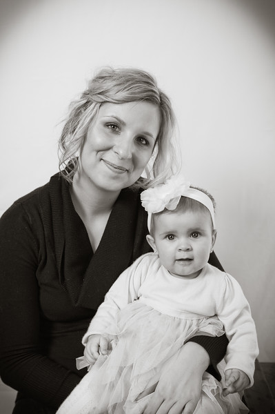 Lily at 6 months-4685.jpg