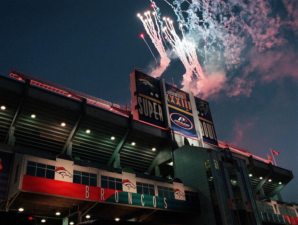. Fireworks blast off at Pro Player Stadium Sunday  prior to the start of Super Bowl XXXIII.  (John Sunderland/The Denver Post)