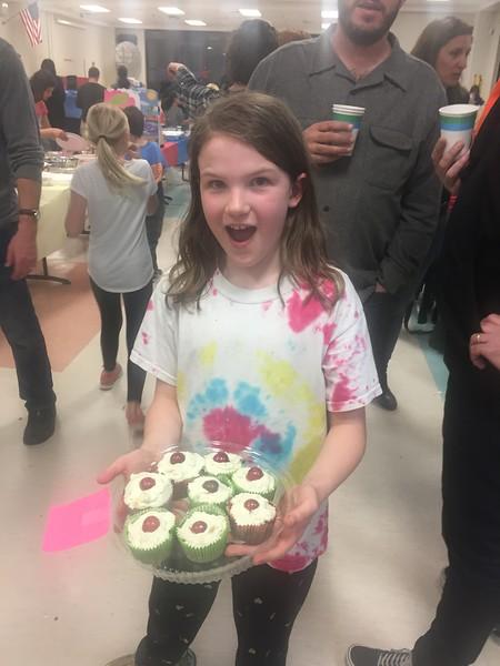 Eva's cupcakes at Tuscan Fiesta