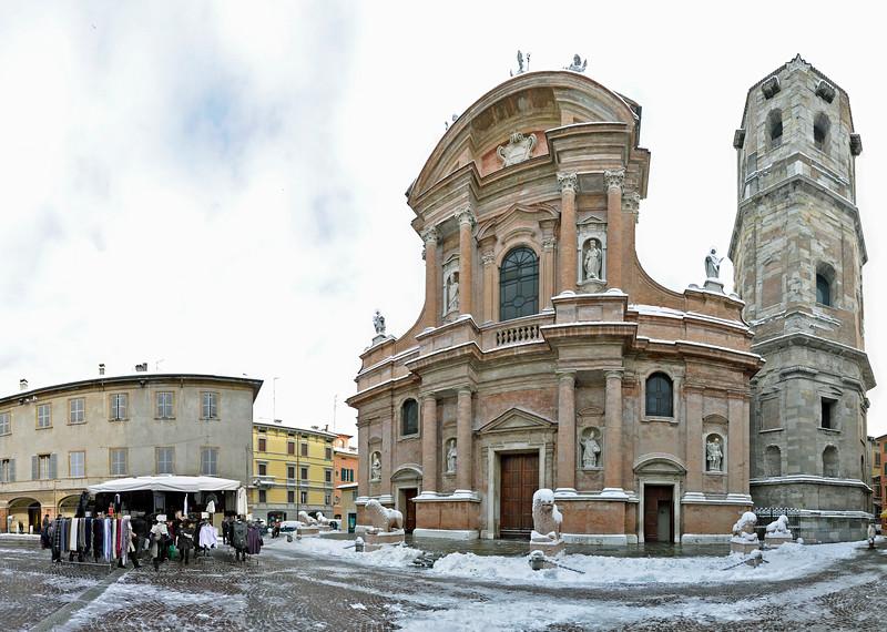 Piazza San Prospero - Reggio Emilia, Italy - December 19, 2009