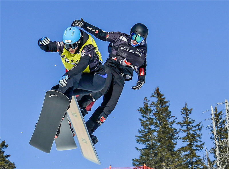 Glenn de Blois5 - EC snowboardcross Grasgehren-Credit Christine Bilecki-2017.jpg