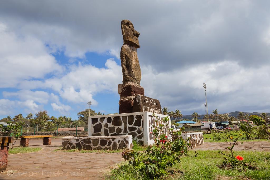 Easter Island Heads - Hanga Roa - Lina Stock