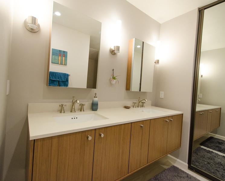 sleek-bathroom-003.jpg