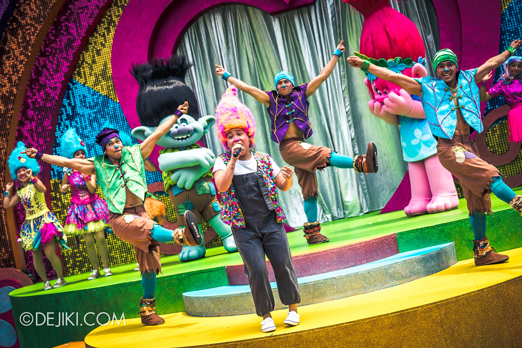 Universal Studios Singapore Park Update March 2018 TrollsTopia event - TrollsTopia show girl getstrollified