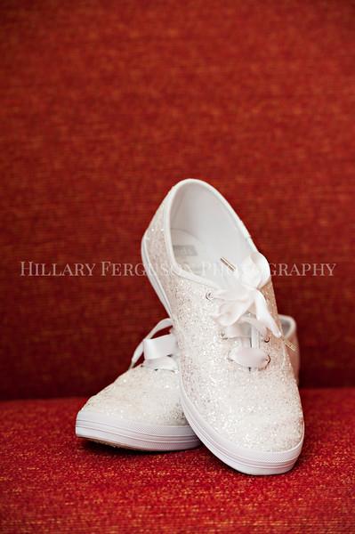 Hillary_Ferguson_Photography_Melinda+Derek_Getting_Ready013.jpg