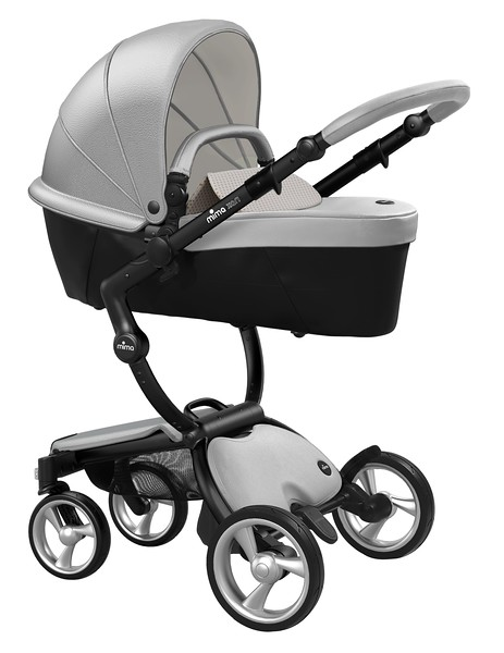 Mima_Xari_Product_Shot_Argento_Black_Chassis_Sandy_Beige_Carrycot.jpg