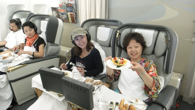 [20101009] Day 10 - BB 1st Class on Emirates Airlines (22).JPG