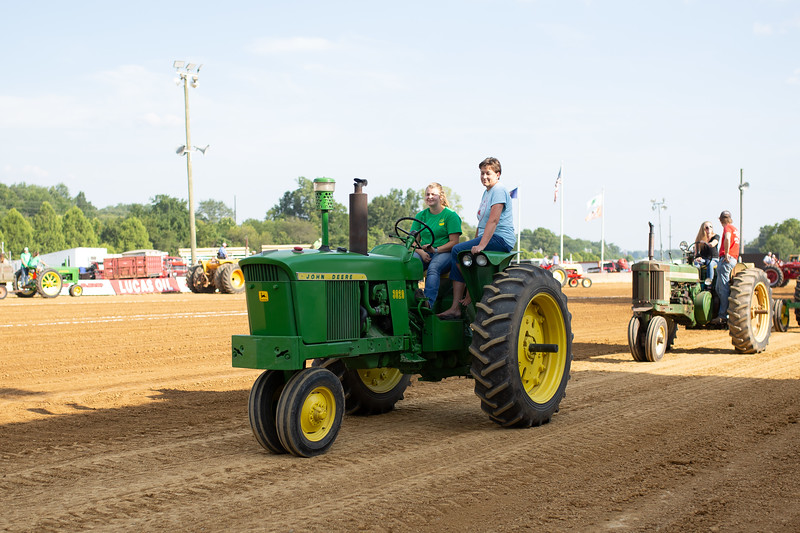 Antique Tractor Parade-32.jpg