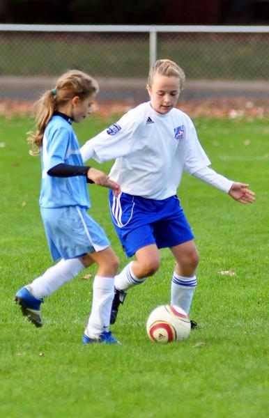 plainville u-11 girls soccer 10-17-10-012.jpg
