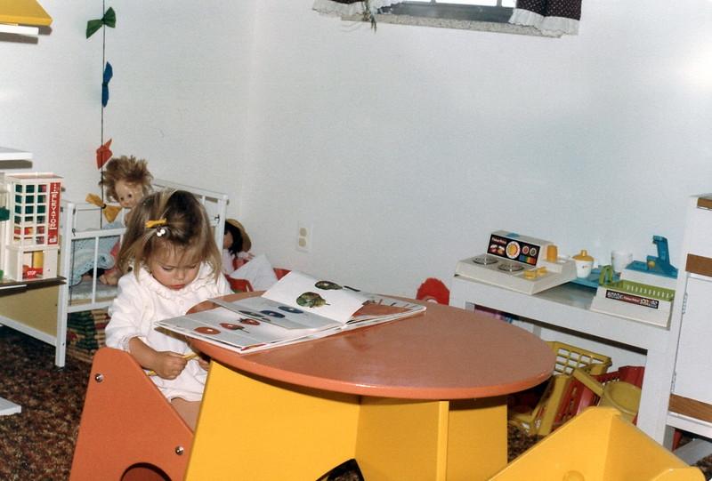 121183-ALB-1983-13-118.jpg