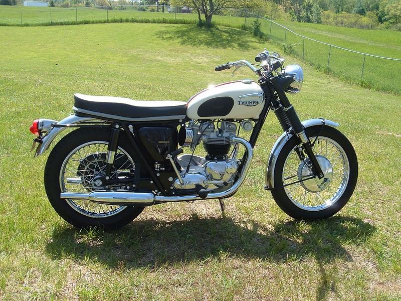 1969 Triumph Bonneville.jpg