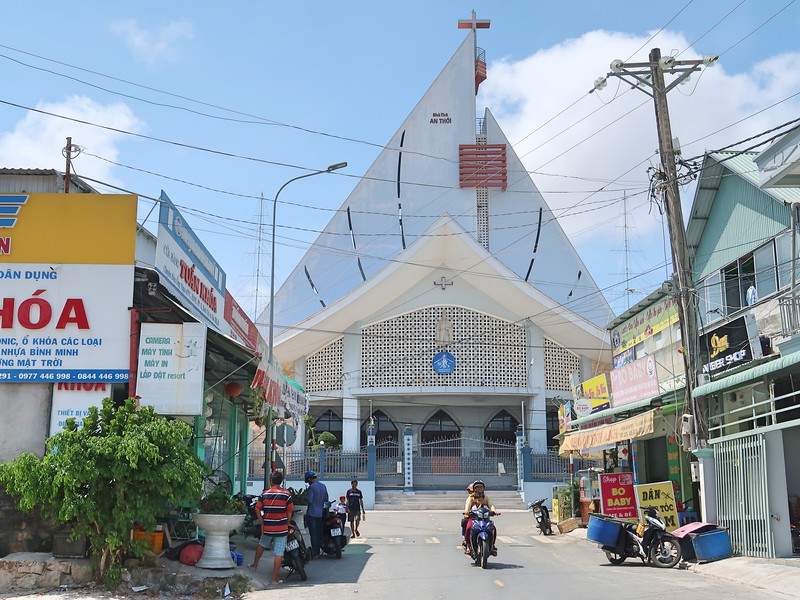 IMG_9285-an-thoi-church.jpg
