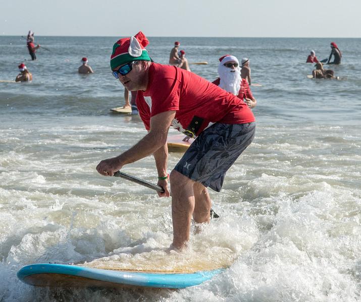 2017 Surfing Santas (17 of 21).jpg