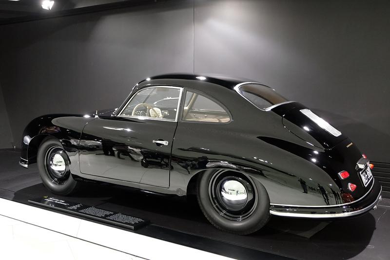 Porsche Museum 356.jpg