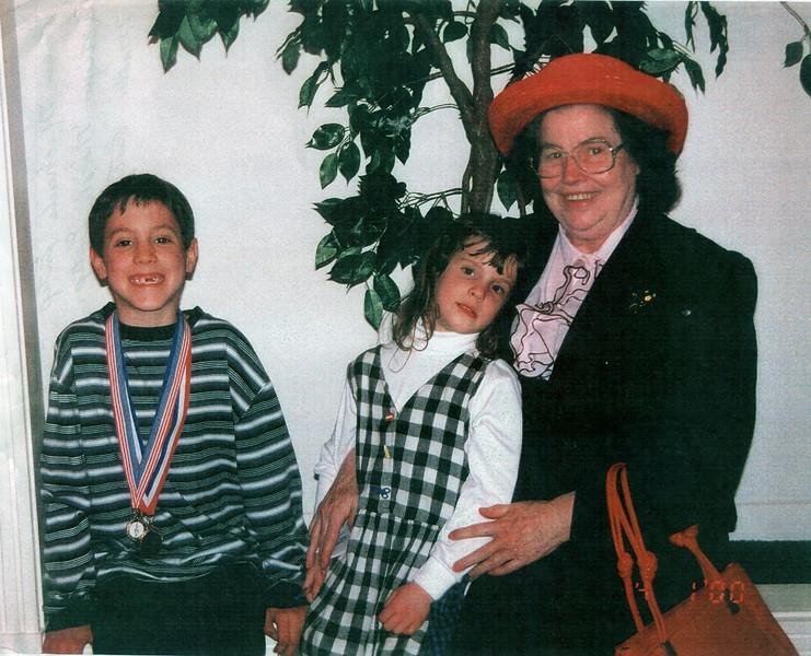 Mollie Estep and Grandchildren