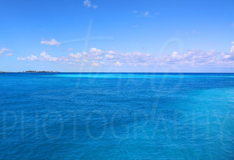Bahama-Water-19x13.jpg