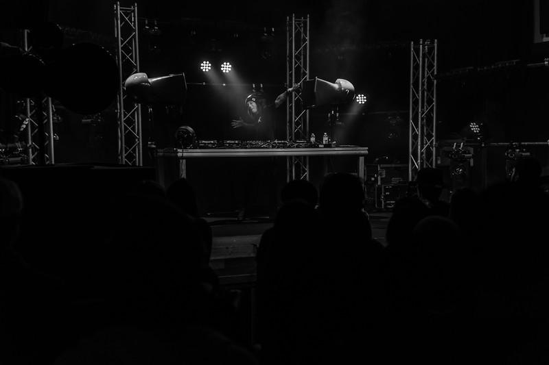 1-26-20 Ten Mile Music Hall Trunkz black and white-13.jpg