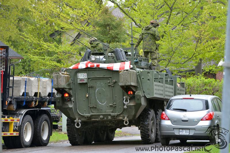 Militaires Canadiens contre la montée des eaux