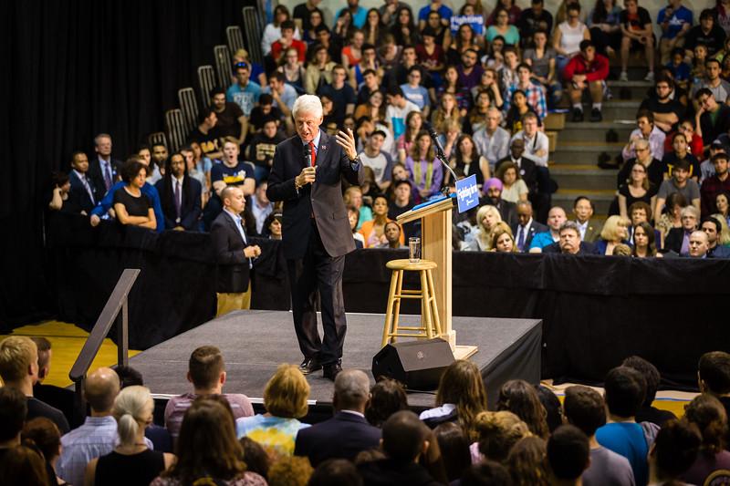 President Bill Clinton @ TCNJ 5-13-2016-19.jpg