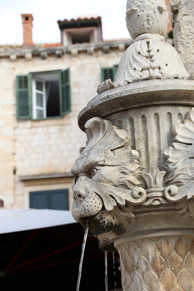 Fountain in Gundulic Square - Dubrovnik
