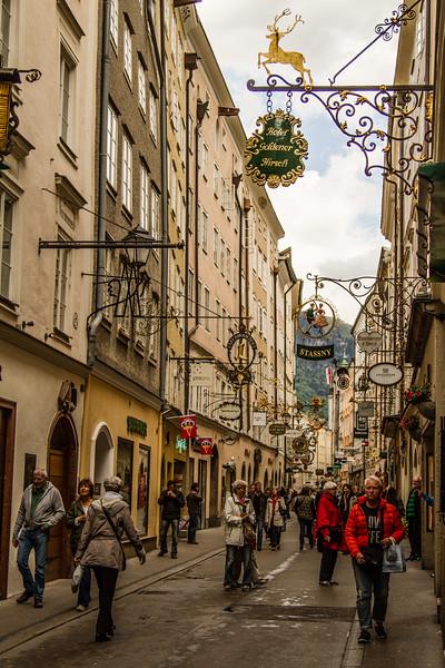 Genevieve Hathaway_Austria_Salzburg_streets_2.jpg