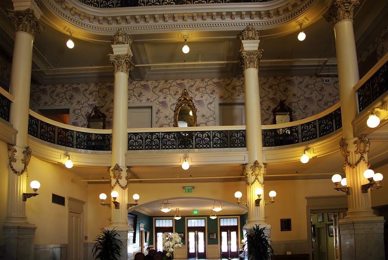 The old Menger Lobby