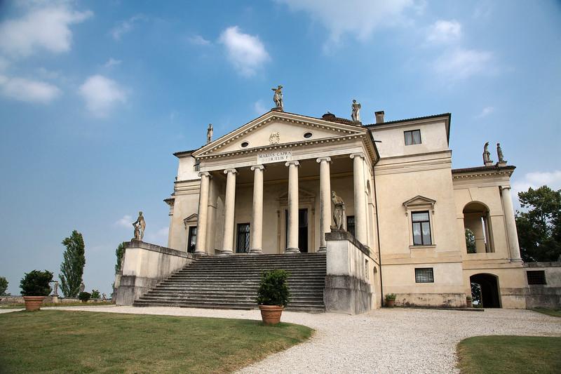 La Rotunda, Vicenza 5.jpg