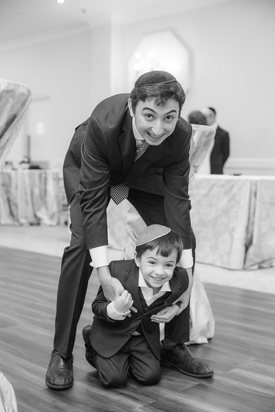 Miri_Chayim_Wedding_BW-183.jpg