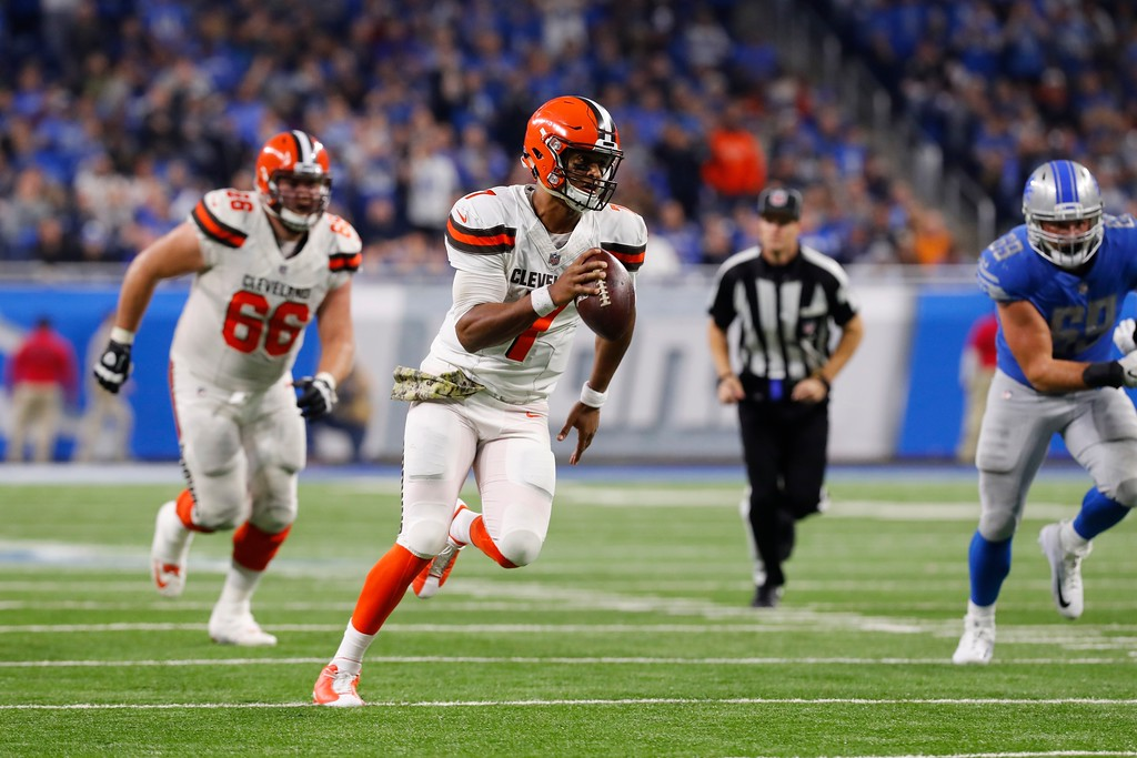 . Cleveland Browns quarterback DeShone Kizer rushes during the first half of an NFL football game against the Detroit Lions, Sunday, Nov. 12, 2017, in Detroit. (AP Photo/Paul Sancya)