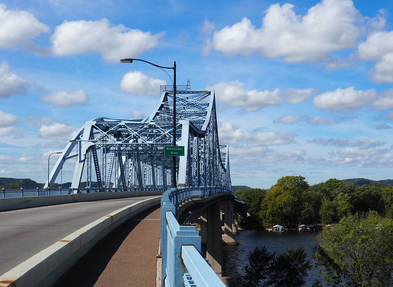 Mississippi River Bridge on Hwy 14