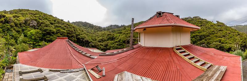 Das achteckige Buschhaus von Muriel und Evan in Kuaotunu