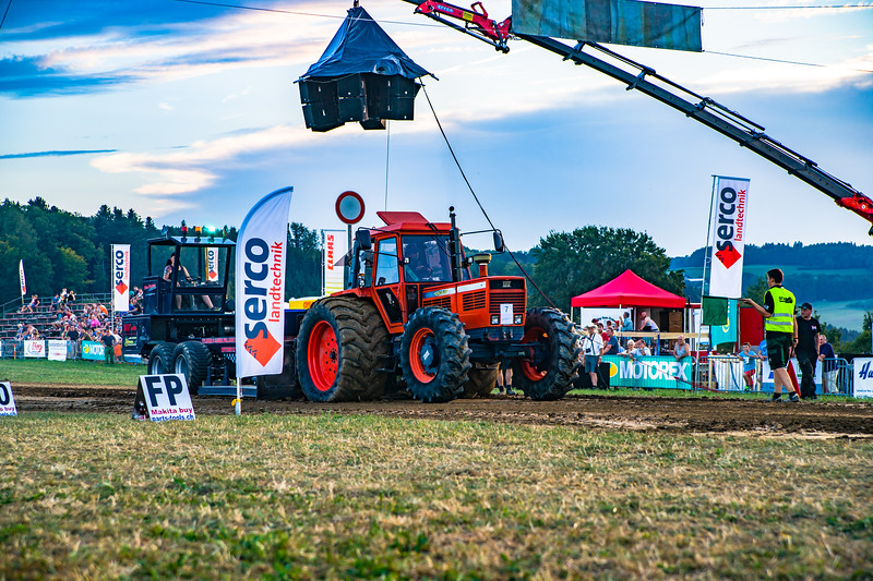 Tractor Pulling 2015-01693.jpg