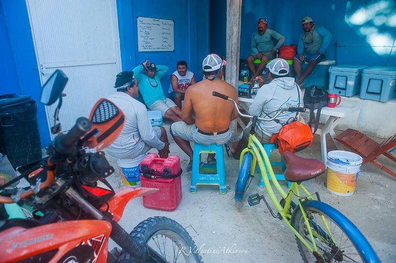 fishing guides at palometa club, ascension bay, mexico. Permit fishing lodge.
