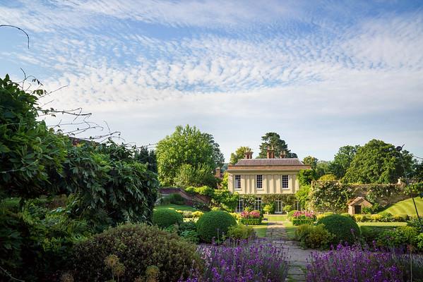 Chilworth Manor summer gardens