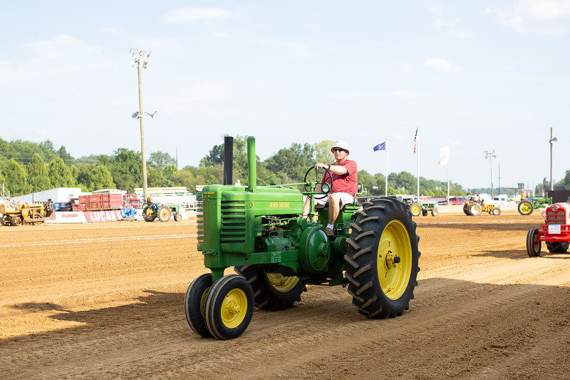 Antique Tractor Parade-17.jpg