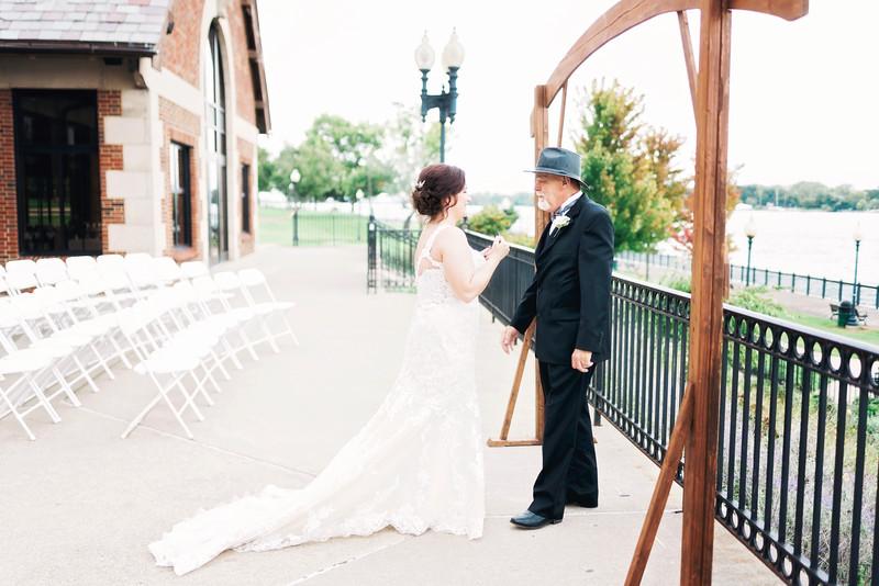 chateau-on-the-river-trenton-michigan-wedding-0091.jpg