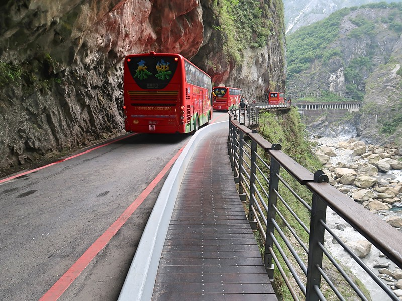 IMG_8938-swallow-grotto-tour-buses.jpg