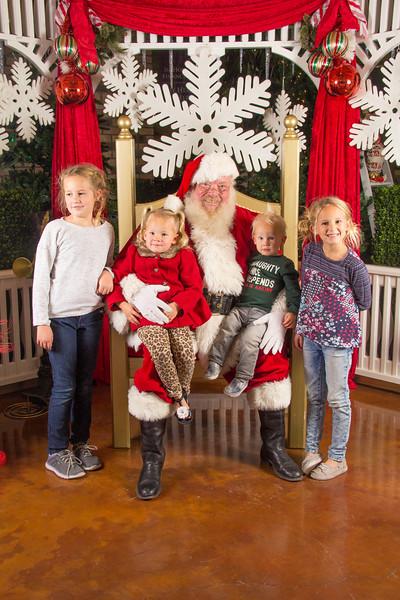 Santa 12-16-17-229.jpg