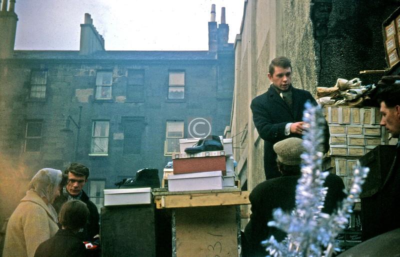 Barras.  December 1963