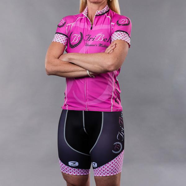 TriBellas-Sugoi-PinkAndBlackCyclingKit-BineTrujillo-Front.jpg
