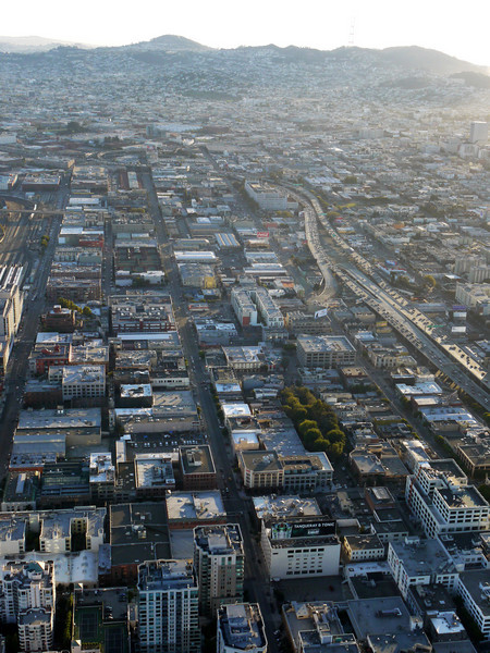 San Francisco, Highway 80 to the right, Brannan St to the left.