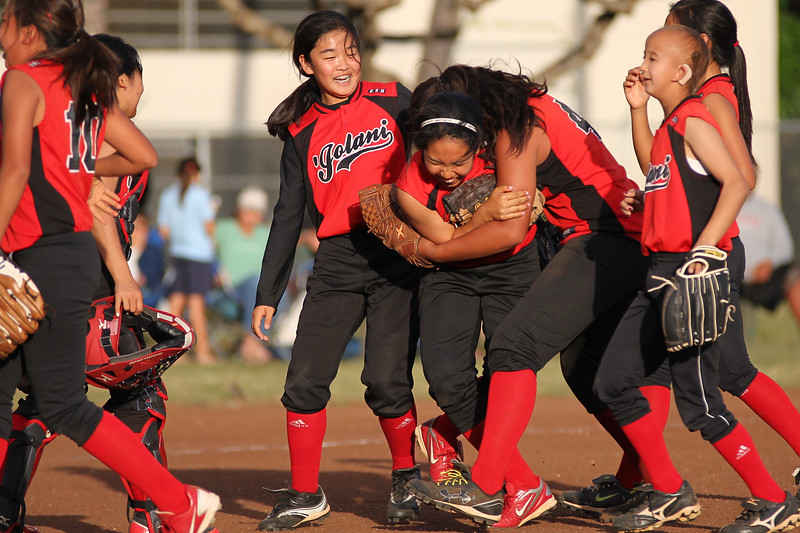 2013 'Iolani Intermediate Red