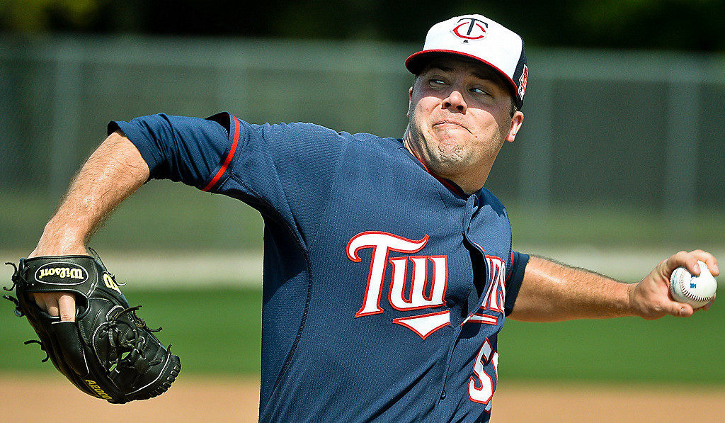 . Twins pitcher Caleb Thielbar rears back during live batting practice.  (Pioneer Press: Ben Garvin)