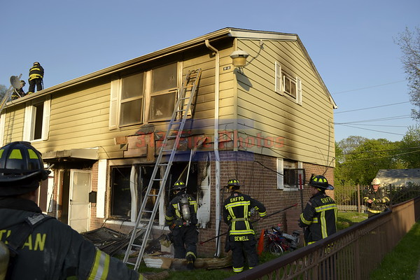 Robbins, IL Working Fire on S. Grace 5/18/2012