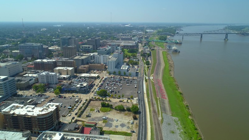 Aerial video Mississippi River Park