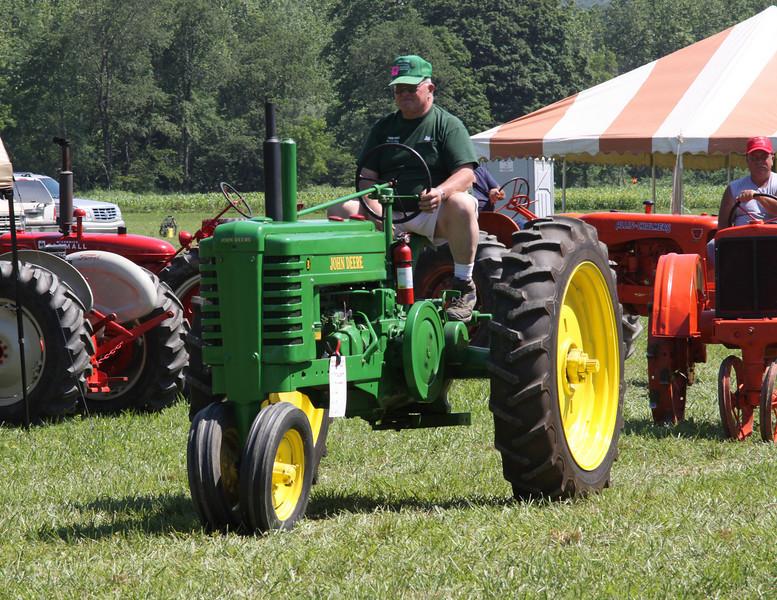 10 06 18 Tractor Parade