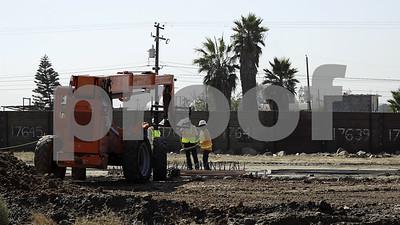 construction-begins-on-trumps-border-wall-prototypes