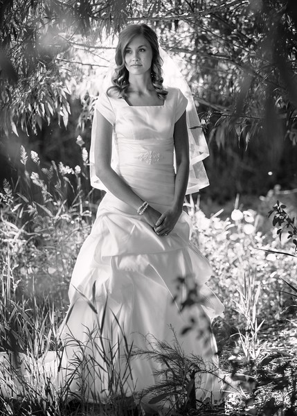 Amy Bridals 050bw.jpg